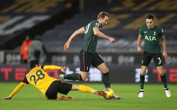 Tottenham đánh rơi chiến thắng phút cuối, lỡ Top 4 Ngoại hạng Anh - Ảnh 4.