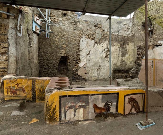 Đào được chốn vui chơi y hệt thế kỷ 21 ở thành phố 2.000 năm tuổi - Ảnh 1.