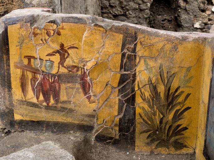 Đào được chốn vui chơi y hệt thế kỷ 21 ở thành phố 2.000 năm tuổi - Ảnh 2.
