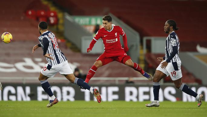 Kiệt sức mùa Đông, Liverpool bị đội chót bảng cầm chân ở Anfield - Ảnh 2.
