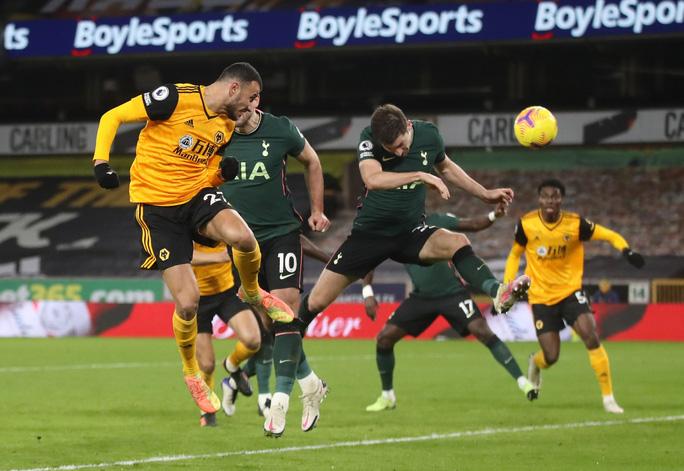 Tottenham đánh rơi chiến thắng phút cuối, lỡ Top 4 Ngoại hạng Anh - Ảnh 5.