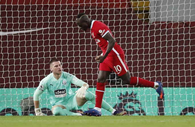 Kiệt sức mùa Đông, Liverpool bị đội chót bảng cầm chân ở Anfield - Ảnh 3.