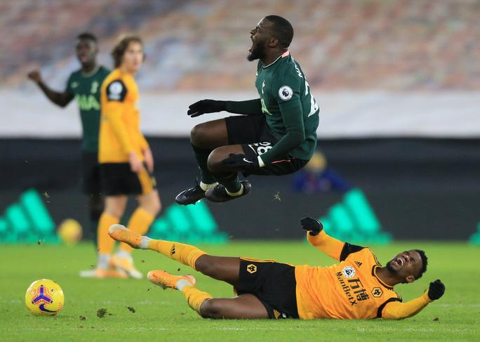 Tottenham đánh rơi chiến thắng phút cuối, lỡ Top 4 Ngoại hạng Anh - Ảnh 2.