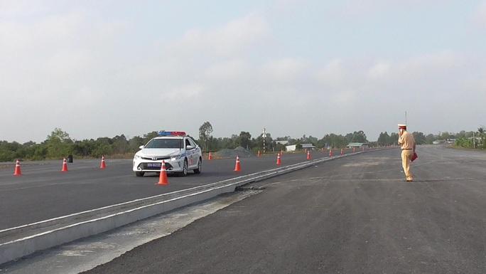 CLIP: Chạy thực nghiệm cao tốc Trung Lương – Mỹ Thuận - Ảnh 3.
