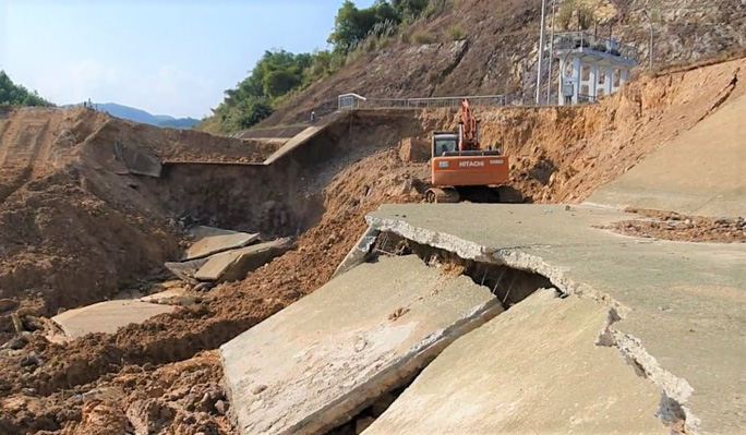 Bộ NN-PTNT vào cuộc tuyến kênh 4.300 tỉ đồng bất ngờ đứt gãy 50 m giữa mùa khô - Ảnh 4.