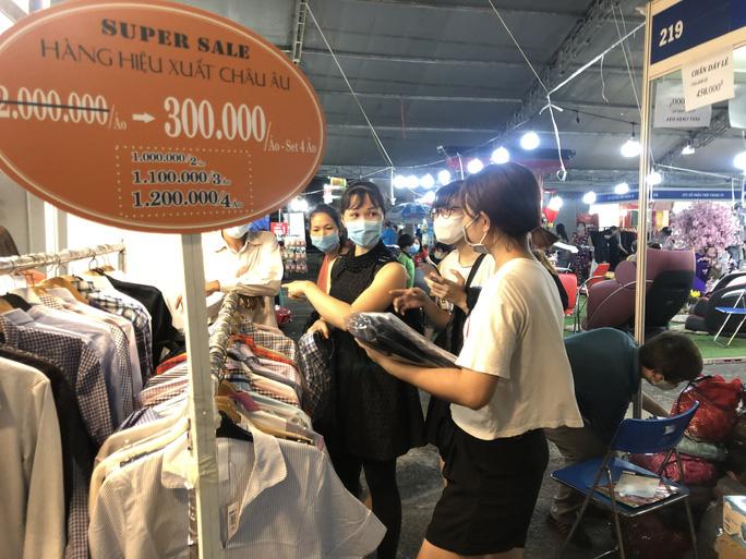 Khuyến mãi hấp dẫn tại Hội chợ Xúc tiến thương mại cuối cùng của năm 2020 - Ảnh 2.