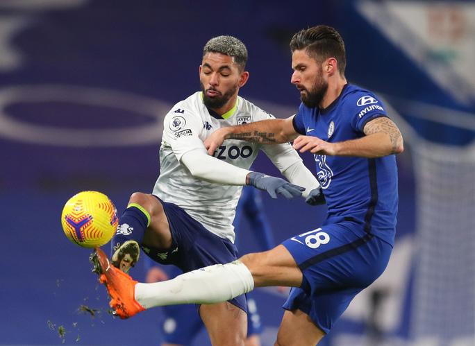 Chelsea lại mất điểm sân nhà, Leicester may mắn thoát hiểm - Ảnh 1.