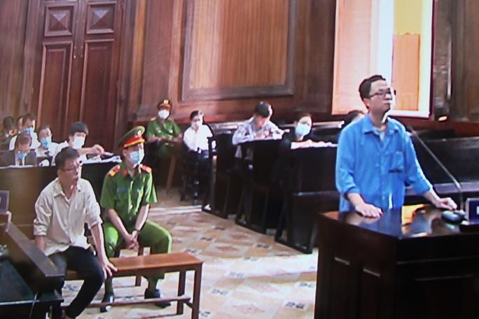 Trình chiếu nhiều clip ghi lại hành vi của cựu thẩm phán Nguyễn Hải Nam - Ảnh 2.