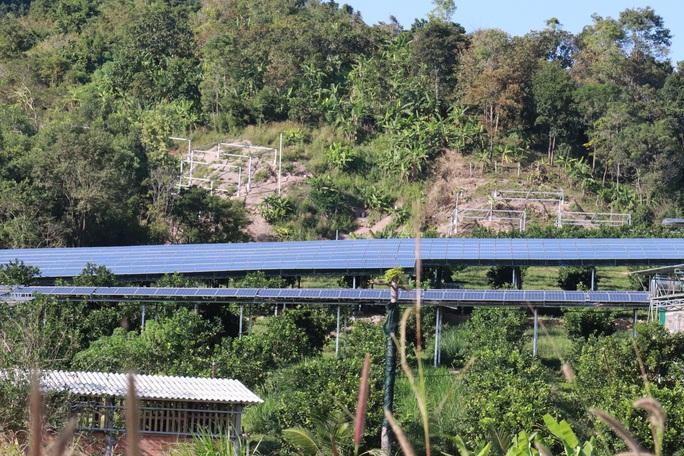 Yêu cầu nhiều trường học chấm dứt cho thuê làm điện mặt trời - Ảnh 3.