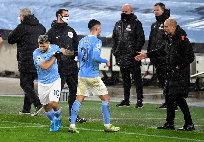 Man City vướng 7 ca dương tính, Everton quyết làm rõ việc hoãn trận - Ảnh 1.