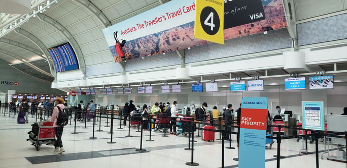 Bốn chuyến bay đưa hơn 1.000 người Việt về nước - Ảnh 1.