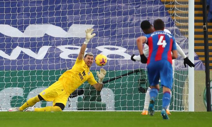 Chelsea lại mất điểm sân nhà, Leicester may mắn thoát hiểm - Ảnh 5.