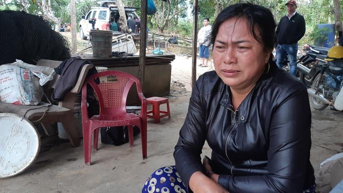 Thủy điện xả lũ, 1 phụ nữ chết đứng nhìn 5 tỉ đồng trôi sông - Ảnh 2.