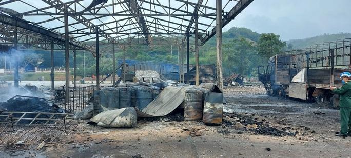 Hiện trường vụ cháy nổ kinh hoàng khiến 8 người thương vong - Ảnh 3.