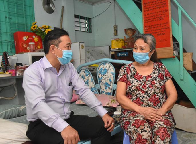 Mai Vàng nhân ái thăm nghệ sĩ múa Phùng Kim Dung - Ảnh 2.