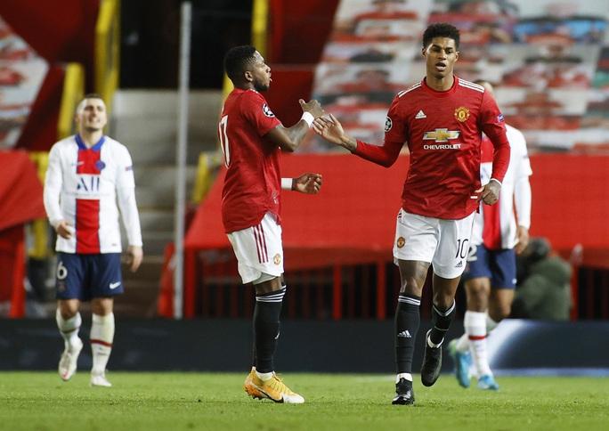 Thẻ đỏ nghiệt ngã, Man United bên bờ vực thảm họa - Ảnh 4.