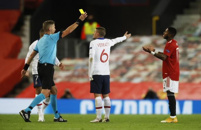 Thẻ đỏ nghiệt ngã, Man United bên bờ vực thảm họa - Ảnh 3.
