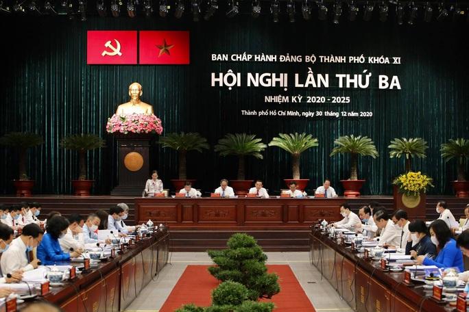 Hội nghị Thành ủy TP HCM bàn nhiều nội dung quan trọng - Ảnh 1.