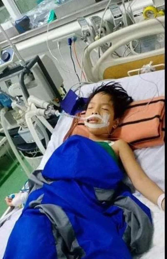 Mẹ tử nạn khi đi mua áo cho con: Báo Người Lao Động trao hơn 80,9 triệu đồng - Ảnh 4.
