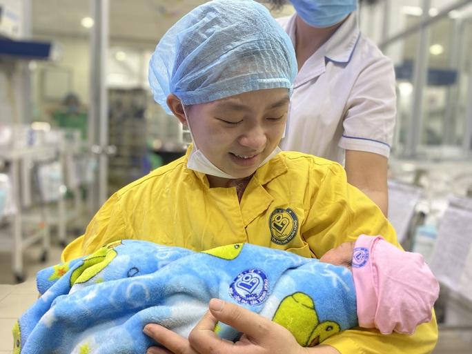 Cứu sống sản phụ trẻ mang thai 30 tuần bị tai nạn giao thông - Ảnh 1.