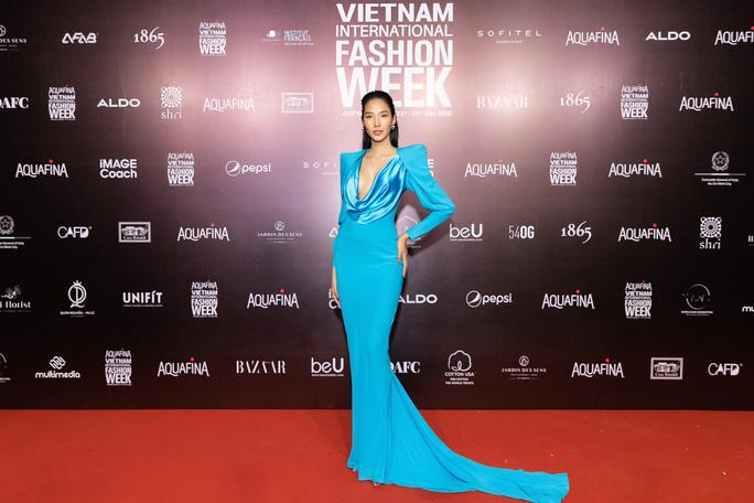 Dàn sao Việt diện váy áo Công Trí đọ sắc trên thảm đỏ - Ảnh 25.