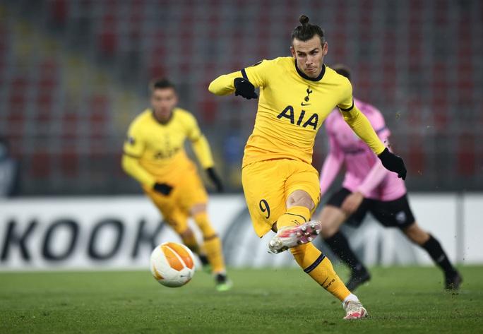 Rượt đuổi tỉ số nghẹt thở, Tottenham vượt vòng bảng Europa League - Ảnh 4.