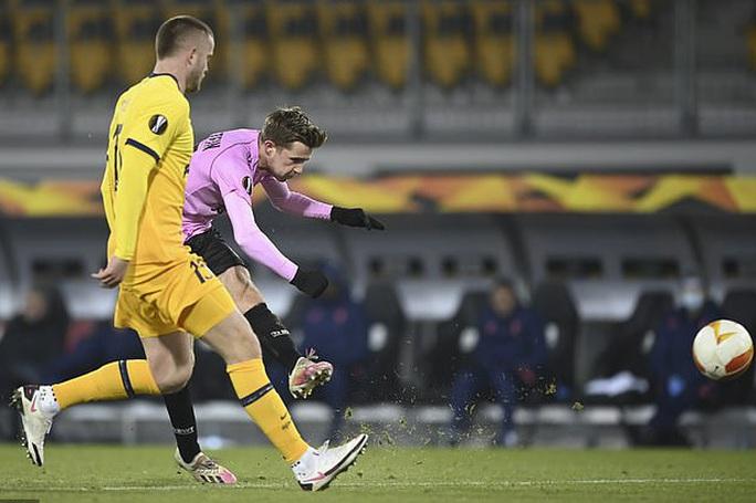 Rượt đuổi tỉ số nghẹt thở, Tottenham vượt vòng bảng Europa League - Ảnh 6.