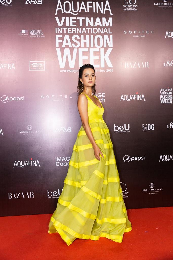 Dàn sao Việt diện váy áo Công Trí đọ sắc trên thảm đỏ - Ảnh 15.