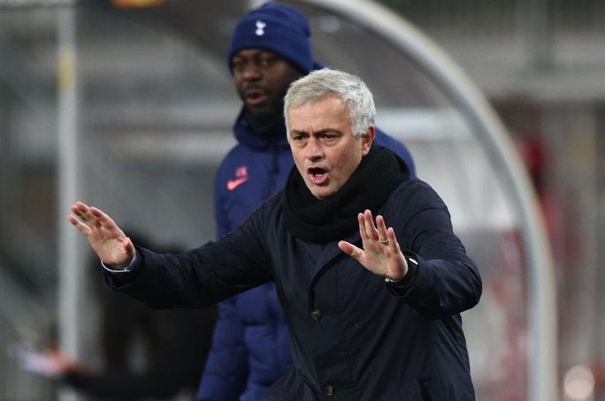 Rượt đuổi tỉ số nghẹt thở, Tottenham vượt vòng bảng Europa League - Ảnh 1.