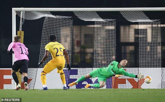 Rượt đuổi tỉ số nghẹt thở, Tottenham vượt vòng bảng Europa League - Ảnh 3.