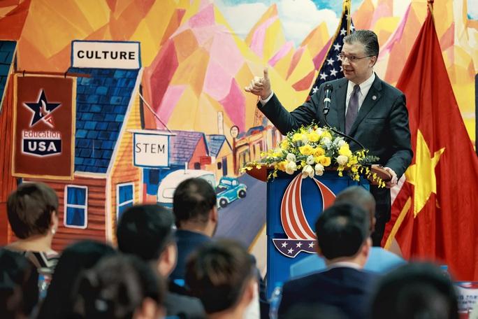 Đại sứ Daniel Kritenbrink khai trương Không gian Mỹ tại tỉnh Thái Nguyên - Ảnh 5.