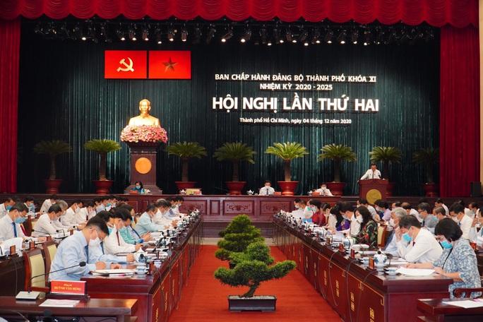 Khai mạc Hội nghị  lần thứ 2 Ban Chấp hành Đảng bộ TP HCM khóa XI  - Ảnh 2.