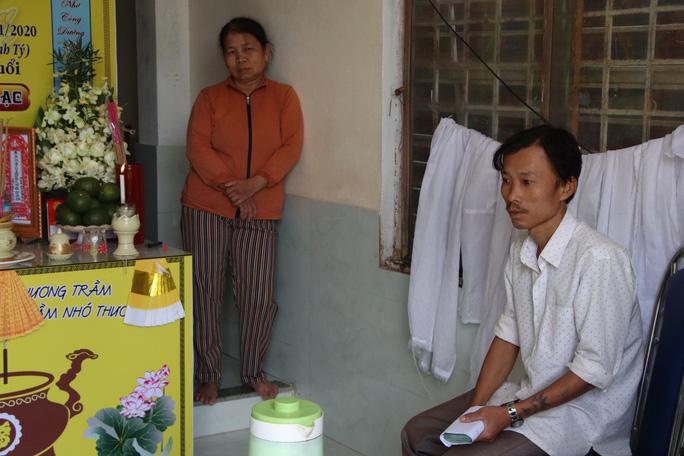 Mẹ tử nạn khi đi mua áo cho con: Báo Người Lao Động trao hơn 80,9 triệu đồng - Ảnh 3.
