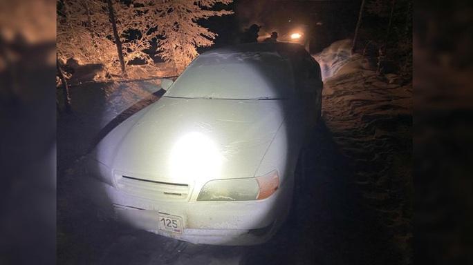 Lạc đường giữa thời tiết -50 độ C, thanh niên chết cóng trong xe hơi - Ảnh 1.