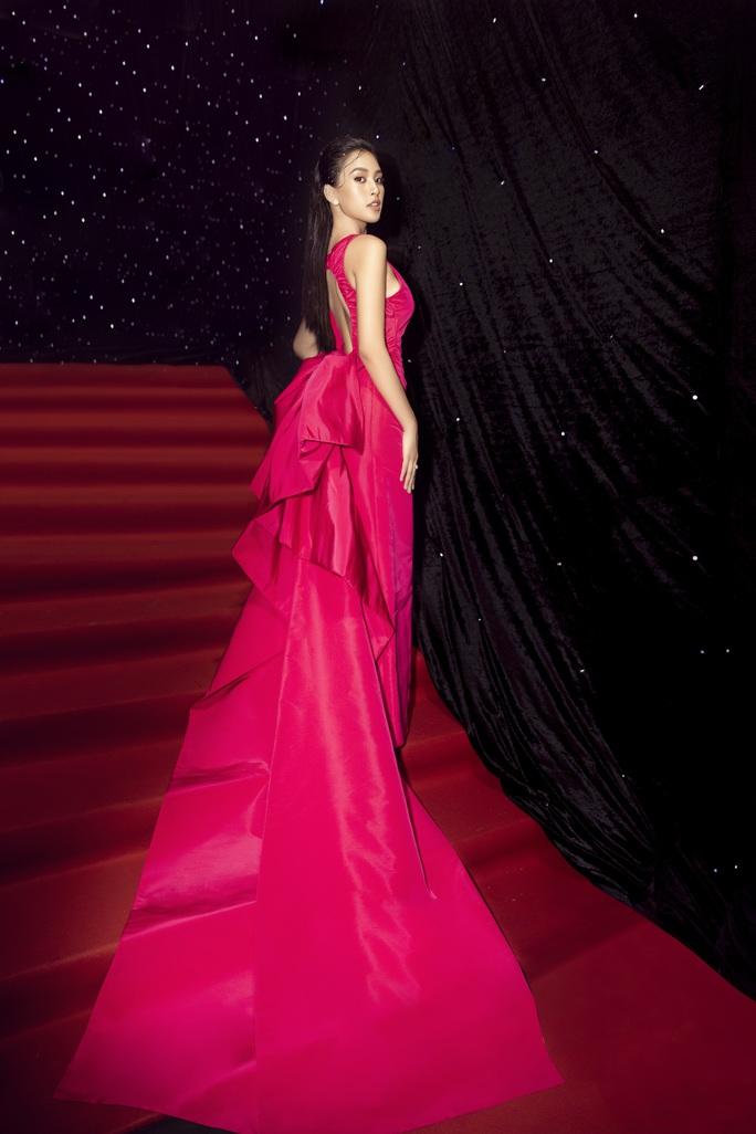 Bức ảnh 3 hoa hậu hội tụ gây nhiều tranh cãi - Ảnh 5.