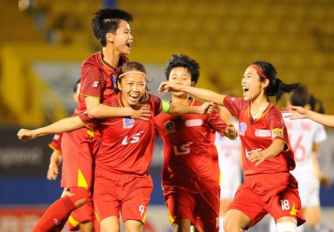 Đánh bại Hà Nội 1 Watabe, TP HCM 1 rộng cửa vô địch Giải Bóng đá nữ VĐQG 2020 - Ảnh 3.