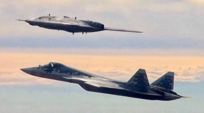 Nga chế tạo máy bay không người lái tàng hình để không chiến - Ảnh 1.
