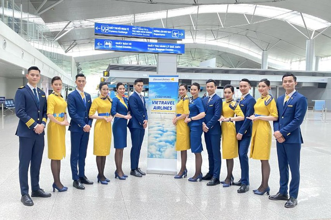 Cận cảnh máy bay đầu tiên và dàn tiếp viên của Vietravel Airlines ở sân bay Tân Sơn Nhất - Ảnh 12.