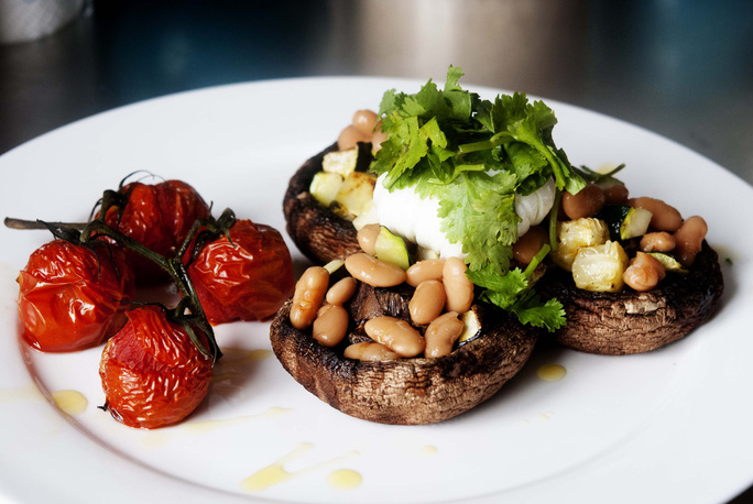 Hoán đổi các món ăn này, nguy cơ nhồi máu cơ tim giảm gần 1/5 - Ảnh 1.