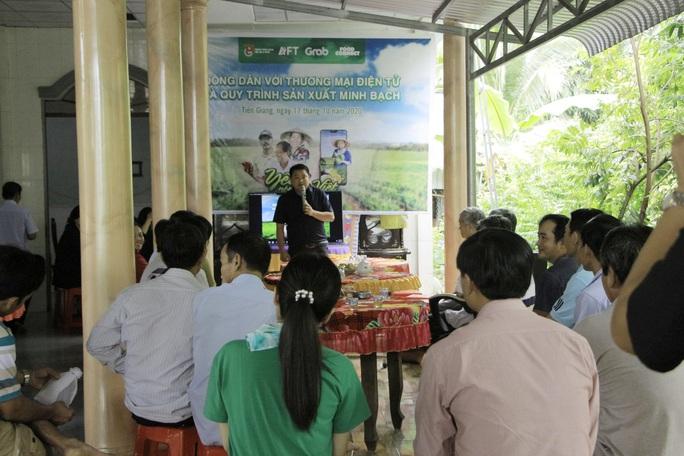 Một dự án hỗ trợ nông dân làm quen thương mại điện tử