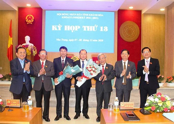 Khánh Hòa có 2 tân phó chủ tịch UBND tỉnh - Ảnh 1.