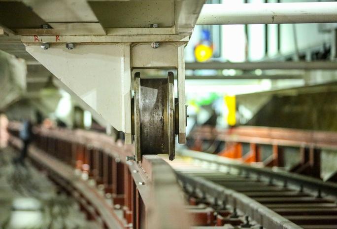 Cận cảnh lắp ráp robot đào hầm tuyến đường sắt đô thị Nhổn - ga Hà Nội - Ảnh 11.