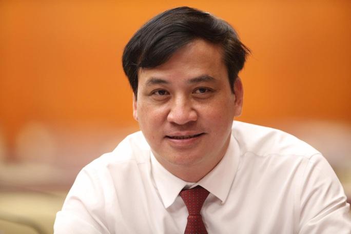 TP HCM có 2 tân phó chủ tịch UBND TP - Ảnh 2.