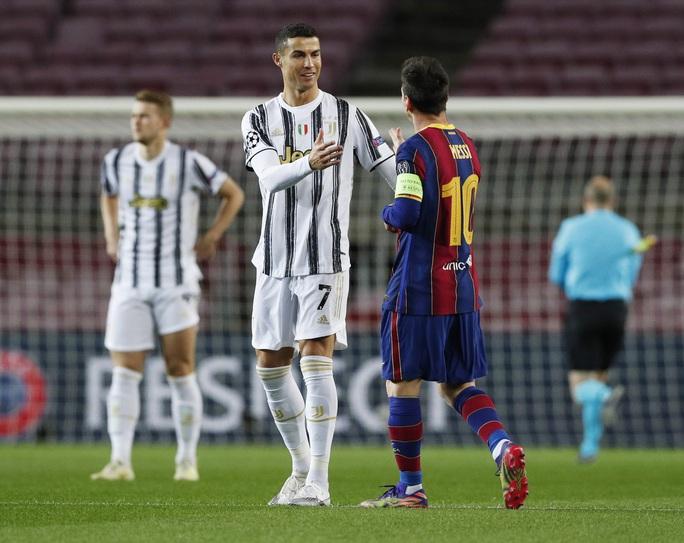 Ronaldo lập cú đúp, Juventus đè bẹp Barcelona - Ảnh 1.