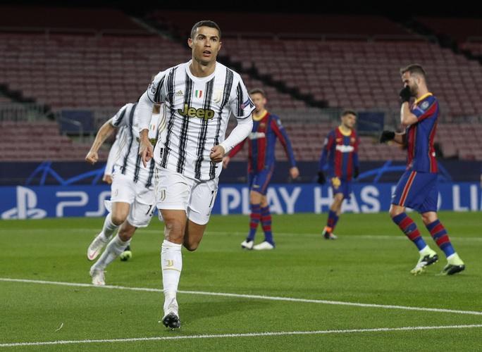 Ronaldo lập cú đúp, Juventus đè bẹp Barcelona - Ảnh 3.