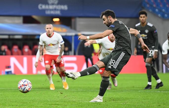 Ngược dòng muộn màng, Man United bị đá văng khỏi Champions League - Ảnh 6.