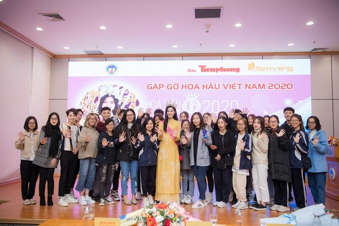 Những bức ảnh gây sốt của Hoa hậu Việt Nam Đỗ Thị Hà - Ảnh 2.