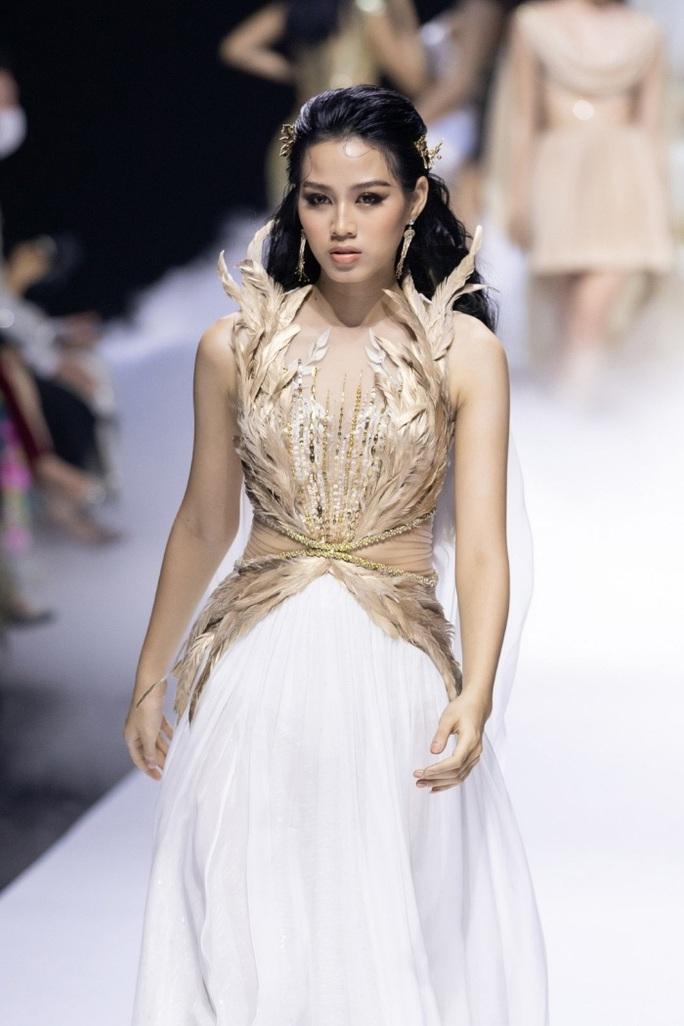 Những bức ảnh gây sốt của Hoa hậu Việt Nam Đỗ Thị Hà - Ảnh 4.