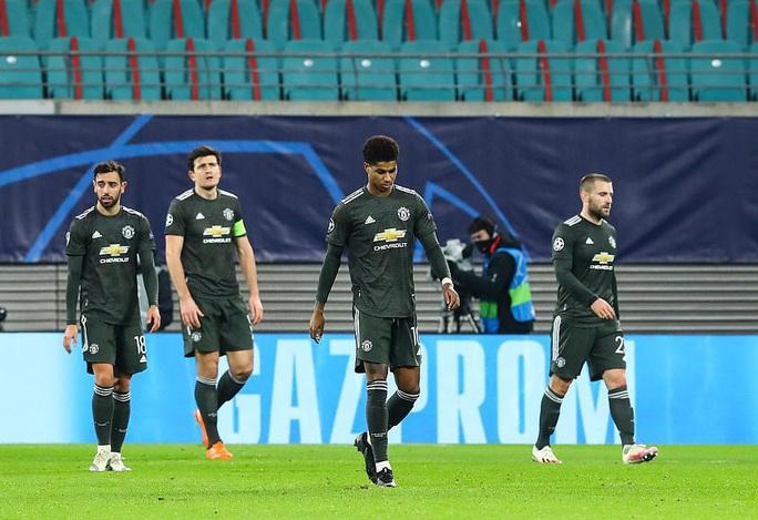 Ngược dòng muộn màng, Man United bị đá văng khỏi Champions League - Ảnh 10.