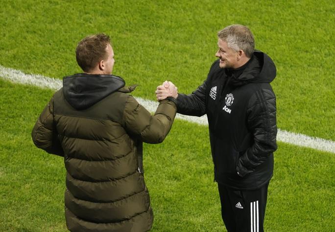 Ngược dòng muộn màng, Man United bị đá văng khỏi Champions League - Ảnh 1.